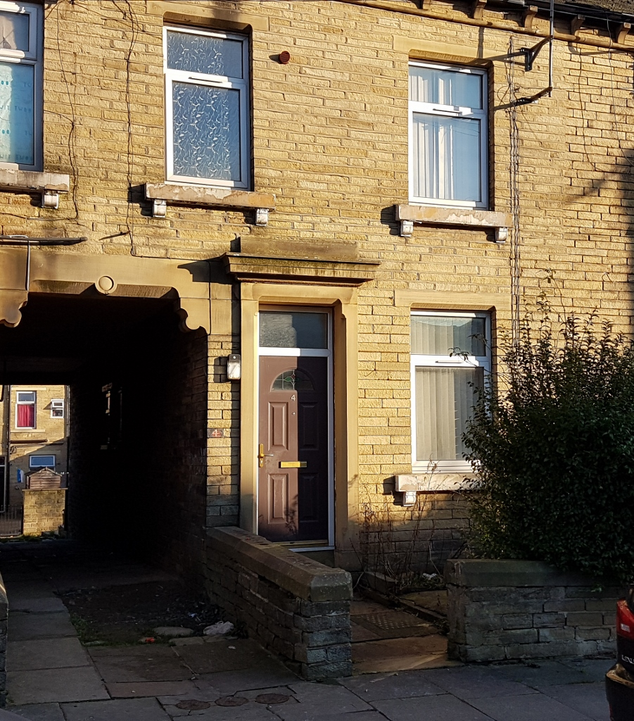 2 BEDROOMS – BACK TO BACK TERRACE, AGAR STREET – BD8 9QL