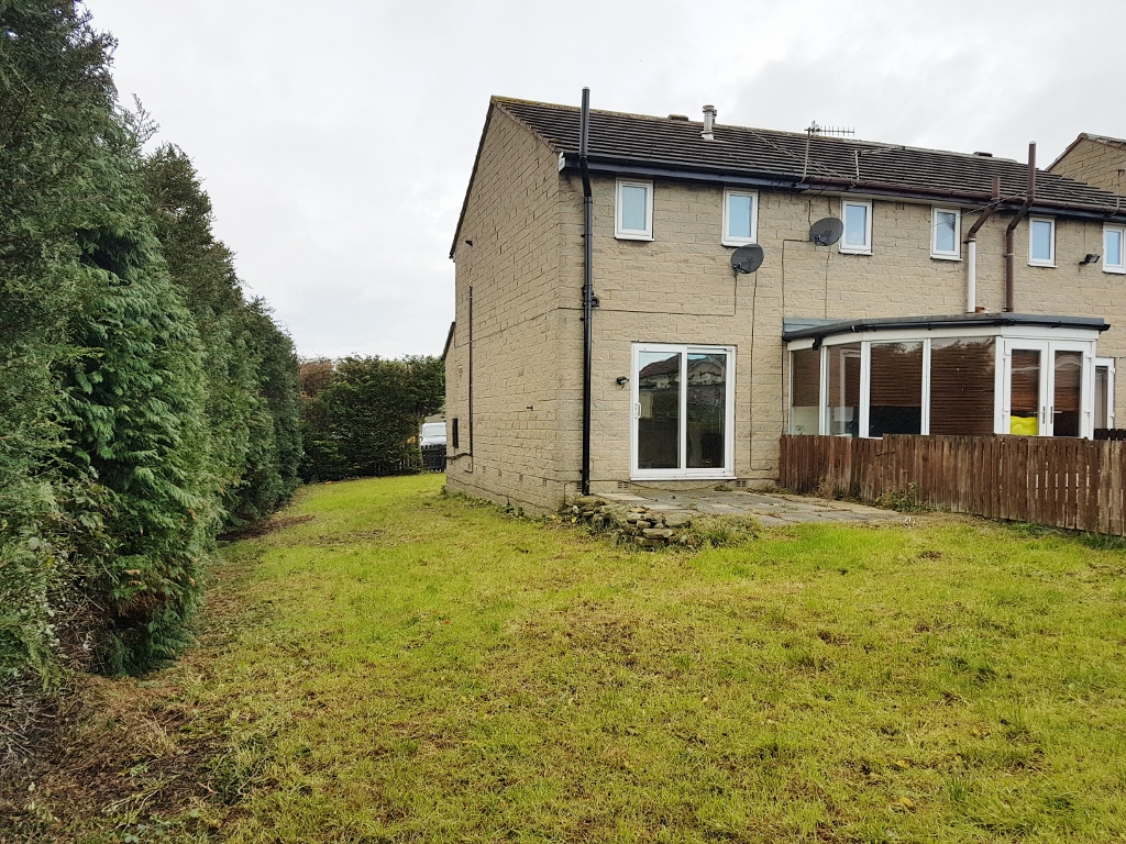 2 BEDROOMS – TOWN HOUSE, ROYD HOUSE ROAD – KEIGHLEY, BD21 4UA